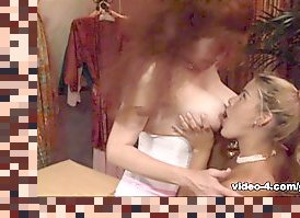 lesbian fingering seduction